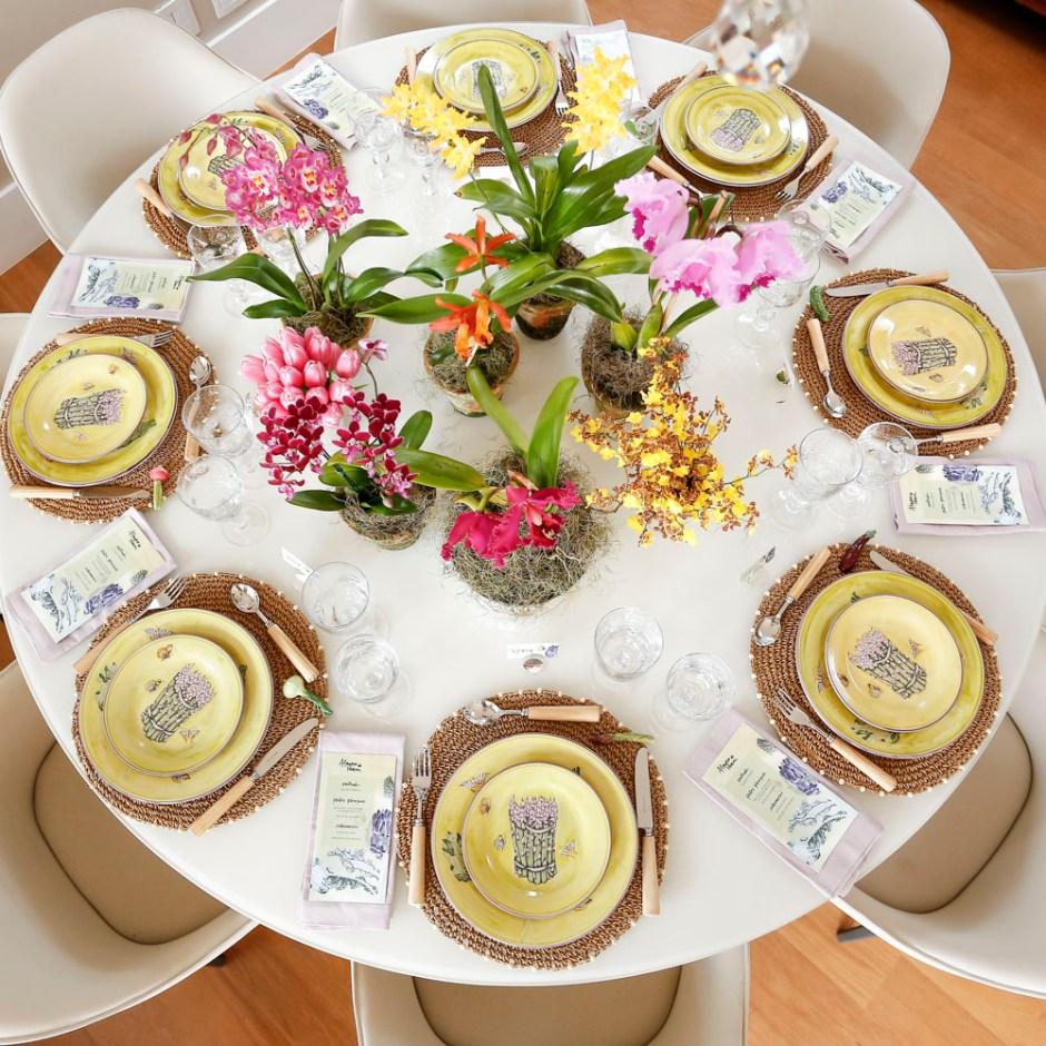 mesa de almoco para pascoa