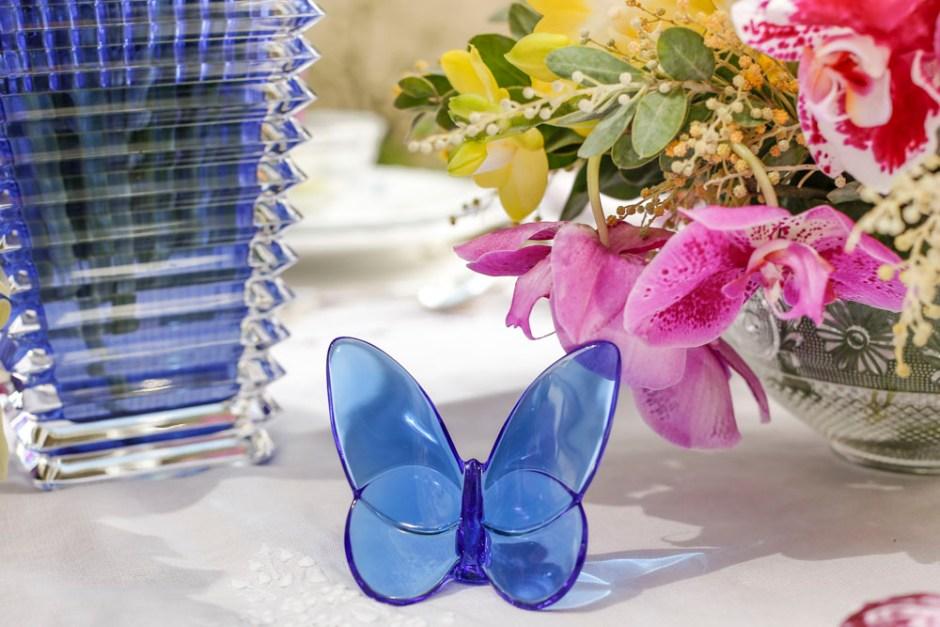 escultura de borboleta azul