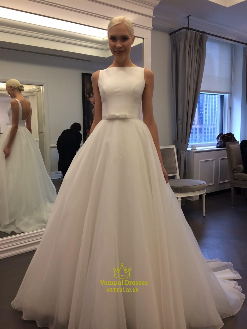 Elegant White Chiffon Floor Length Strapless Wedding Dress
