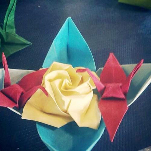 origami lotus gru
