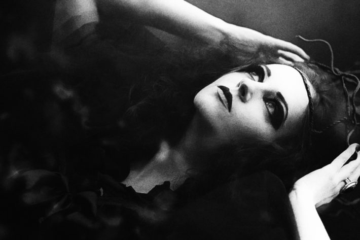 Leonora di Everil Worrell – Quarantena col vampiro