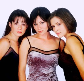 Alyssa Milano, Holly Marie Combs, and Shannen Doherty in Charmed (1998) streghe