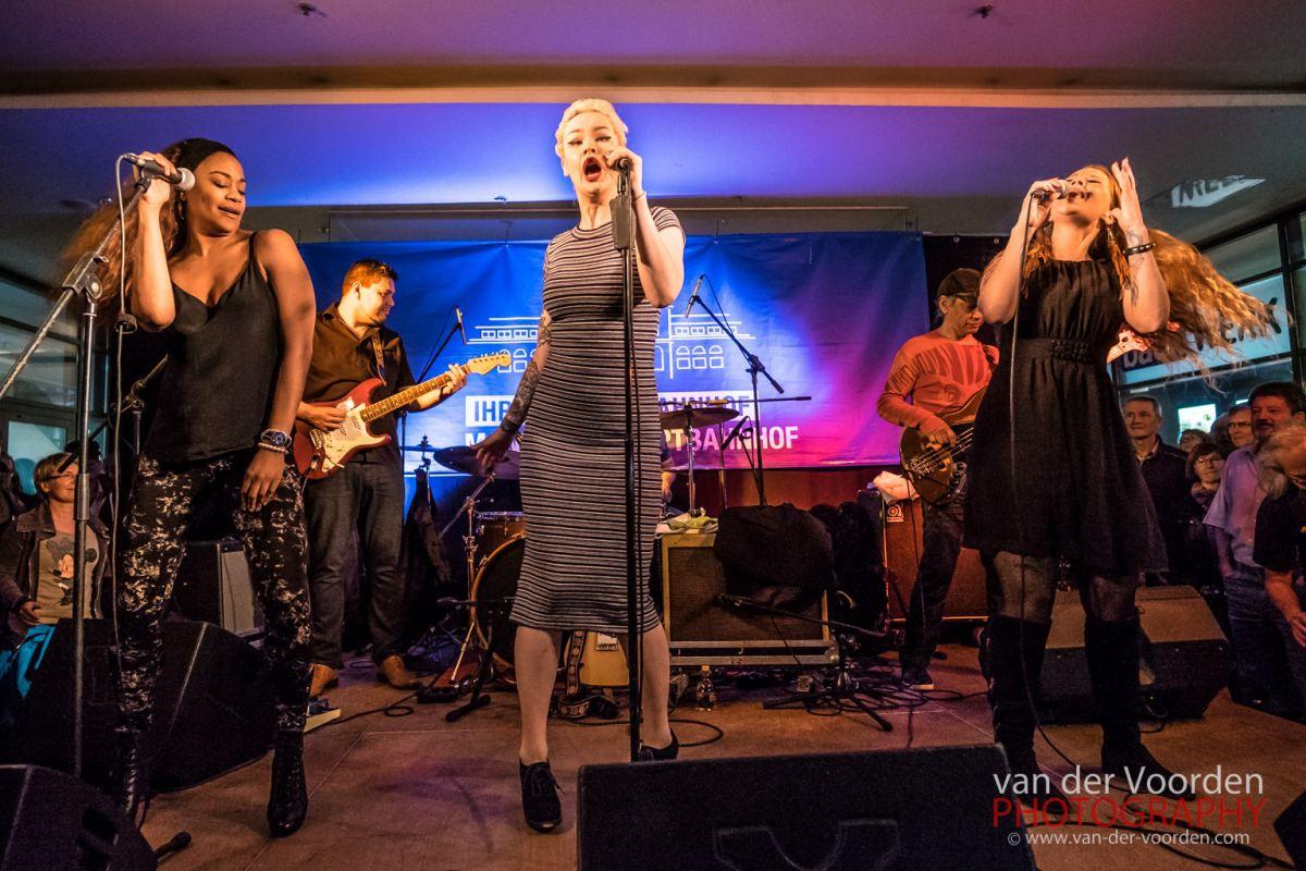 2016 Blues Caravan mit Tasha Taylor, Layla Zoe und Ina Forsman @ Einkaufsbahnhof Mannheim