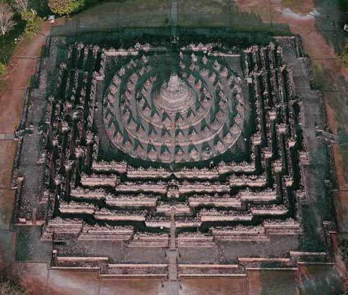 Borobudur Buddha Shrine, aerial View.jpg