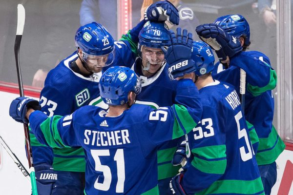 Tyler Toffoli scores twice, Canucks crush Bruins 9-3 - Vancouver Island Free Daily
