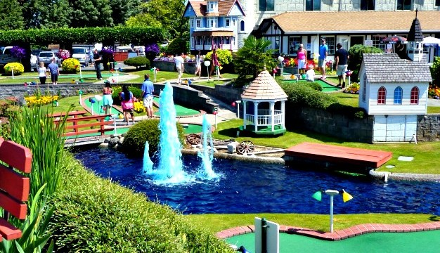 Mini-Golf Attractions in Parksville