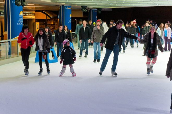 Ice skating Vancouver - Robson Square
