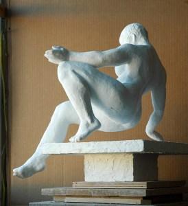 sculpture of female figure by Geemon Xin Meng, Vancouver Sculpture Studio