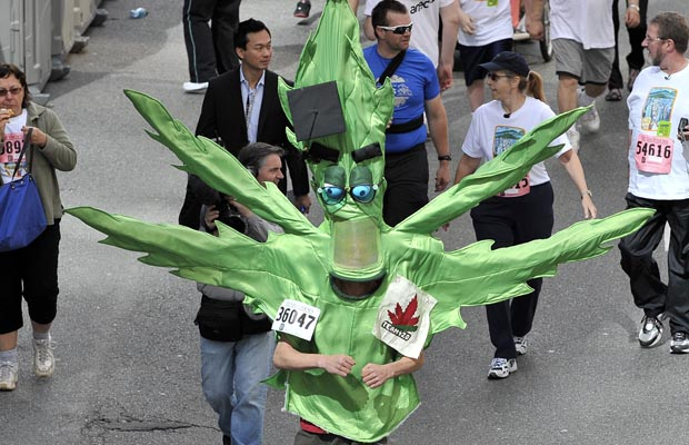 An alien (or is it a marajuana leaf?) -- just one of thousands of racers who took part in Sunday's Vancouver Sun Run.