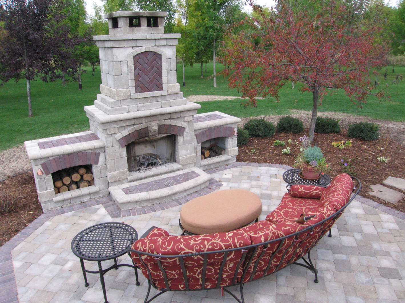 outdoor fireplace landscaping design in