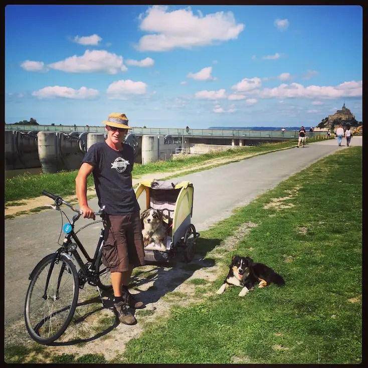 Hundemensch Hundeliebe Camping Frankreich Normandie