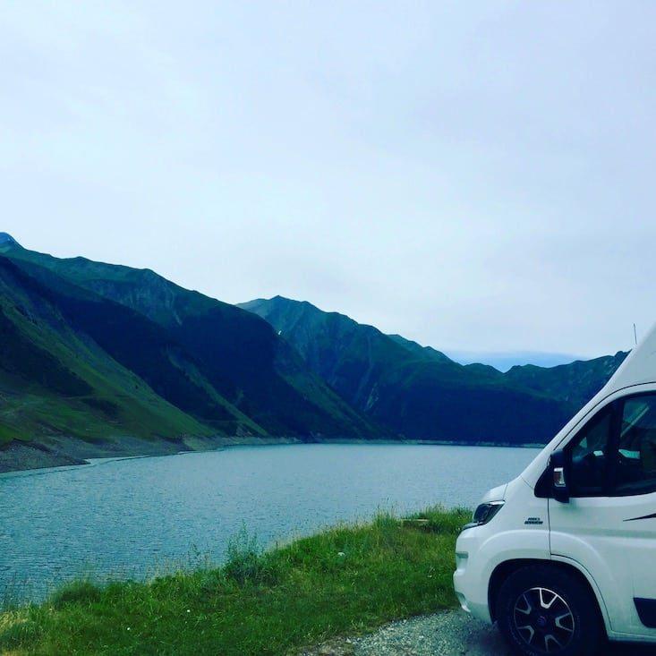 col de la croix de fer Stausee Lac Maison Wildcamping wohnmobil campings Französische Alpen Alpenpass Rundreise