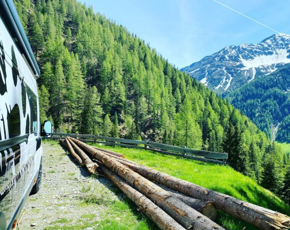 Solo Travel Vanlife Abenteuer Kastenwagen. Wildcamping Villgratental Osttirol