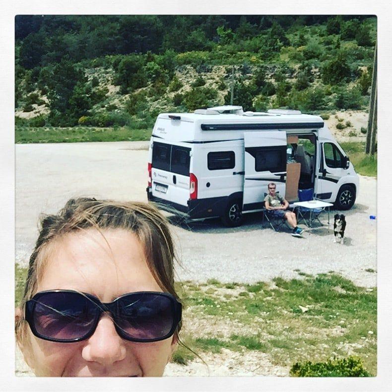 Gorges du Verdon Roadtrip Kastenwagen Vanlife Frankreich Hund Campingbus Wohnmobil