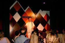 David Coulier of te wel Joey van Full House in Carolines