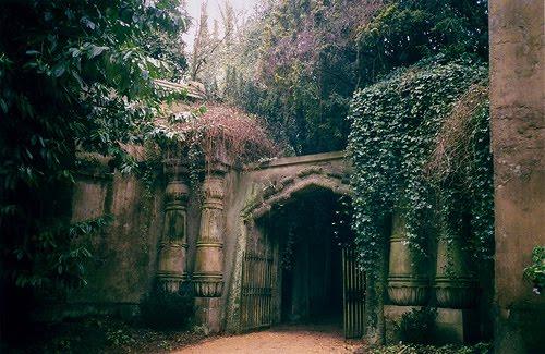 Egyptian Avenue, Highgate Cemetery, London