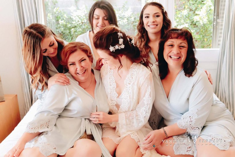 brides maid and bride preparation vanessa serrani destination wedding planner barcelona costa brava