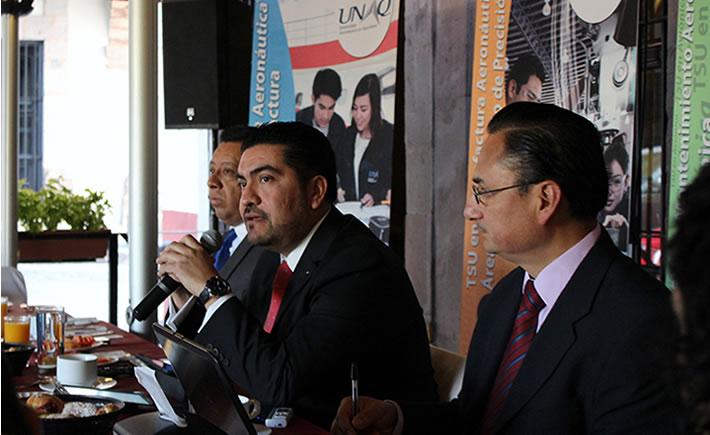 El rector de la UNAQ, Jorge Gutiérrez de Velasco Rodríguez, anunció el inicio de la campaña de captación de alumnos UNAQ 2014, que tiene como objetivo reunir a los mejores estudiantes del nivel medio superior que deseen estudiar una especialidad aeronáutica. (Foto: UNAQ)