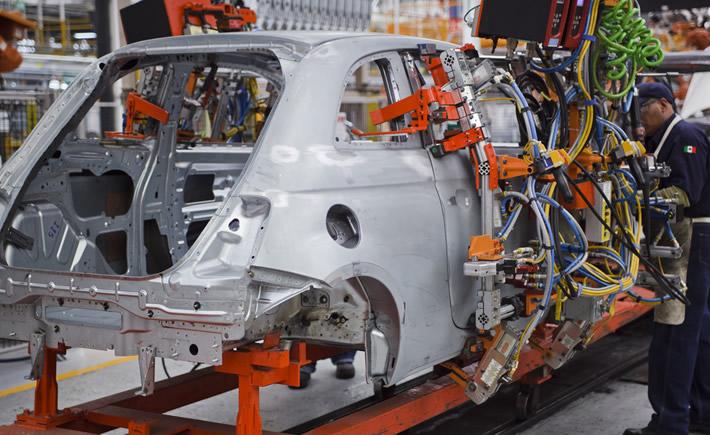 De las 107 empresas más importantes de autopartes en el mundo, más del 80% tiene instalaciones en México. (Foto: Chrysler)
