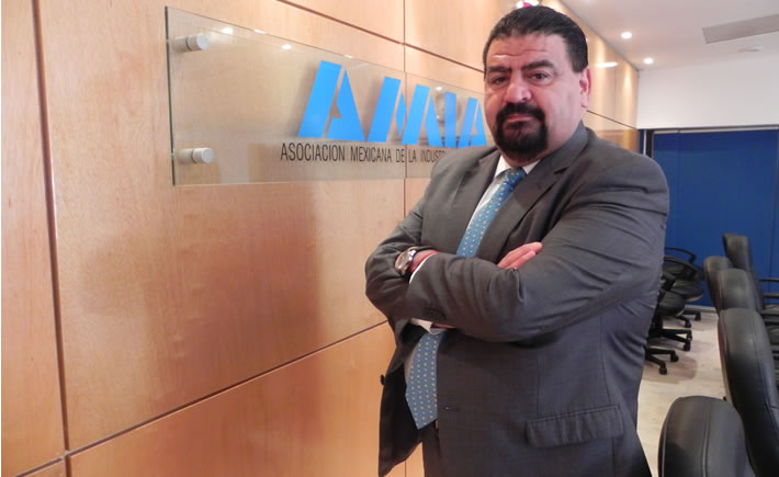 Eduardo Solís, presidente ejecutivo de la Asociación Mexicana de la Industria Automotriz (AMIA). (Foto: AMIA)