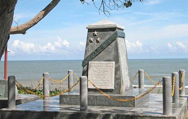 Monumento en Duaba recuerda el desembarco de Antonio Maceo y Flor Crombet.