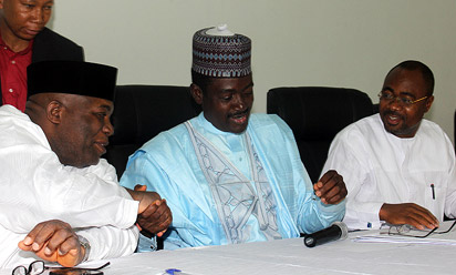 Information Minister, Mr. Labaran Maku flanked by the Senior Special Assistant on Public Affairs to the President, Dr. Doyin Okupe and the Special Adviser to the President, Projects Monitoring and Evaluation, Prof. Sylvester Monye during the briefing on the nation's external reserves at the National Press Centre, Radio House, Abuja. Photo: Abayomi Adeshida.