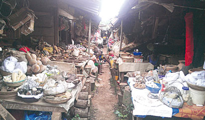 God's (kemwinkemwin) market: Ritual items everywhere