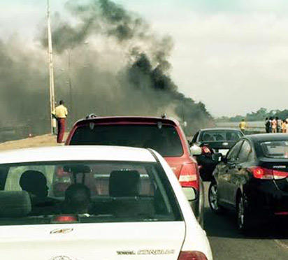 Traffic stalled during the fire on Third Mainland Bridge.
