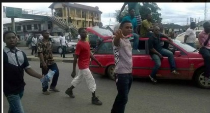 RIVERS: Youths protesting in Port Harcourt, over the release of Radio Biafra Director and Leader, Indigenous People of Biafra (IPOB), Nnamdi Kanu