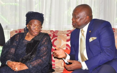 CONDOLENCE VISIT: From left: widow of Dr Tunji Braithwaite, Mrs Grace Braithwaite; son, Akin; daughter, Omowunmi and Governor Akinwunmi Ambode of Lagos, during Ambode's condolence visit to the Braithwaite family in Lagos, yesterday. Photo by Bunmi Azeez.