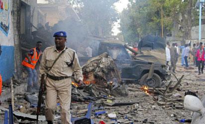 Suicide bomber hits Somali policemen in Mogadishu