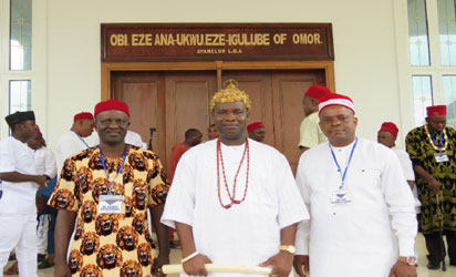 •Igwe Chidume (middle) and some of his newly inaugurated cabinet members