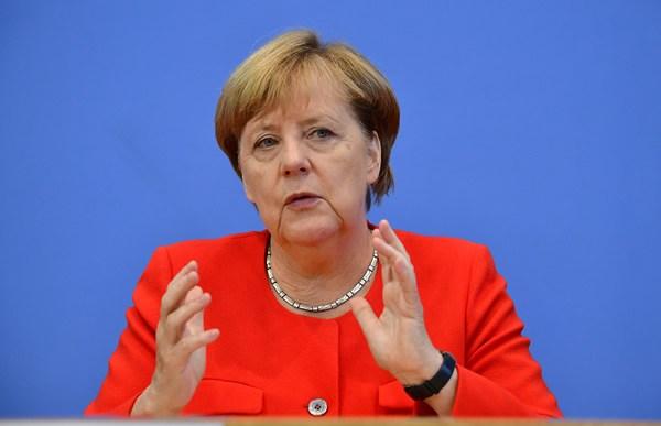 Merkel: World needs to act after hearing youth 'wake-up call'