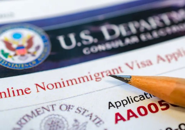 US restricts visas for Chinese officials over Hong Kong