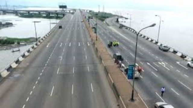 FG reopens Third Mainland Bridge, ahead of schedule