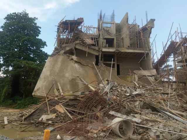 Lagos, collapsed building