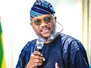 Rebranding of APM's buses, secretariat to APC not for 2023 guber ambition — Akinlade