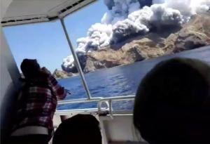 New Zealand: Prime Minister to investigate volcano incident