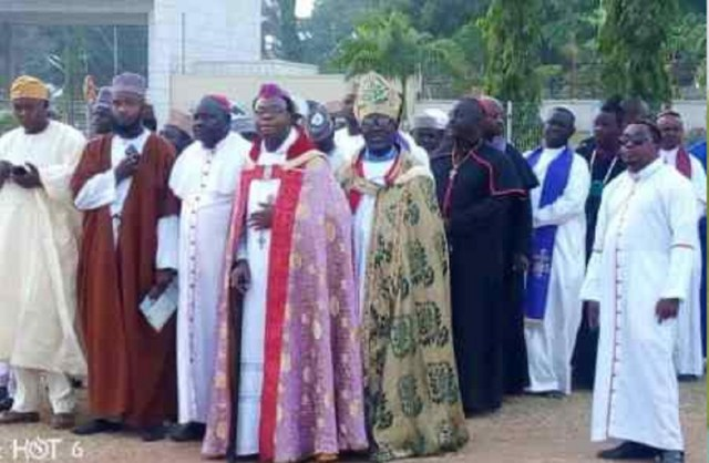 500 clerics kick off 21 days prayer for Nigeria's unity