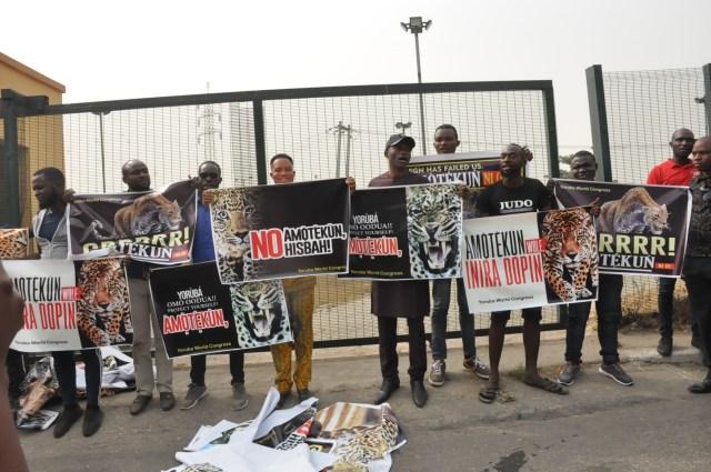 Lagos police abort pro-Amotekun rally, as Yoruba group insists Amotekun 'll stand