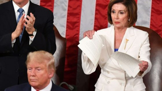 VIDEO: Nancy Pelosi rips up copy of Trump's State of union address