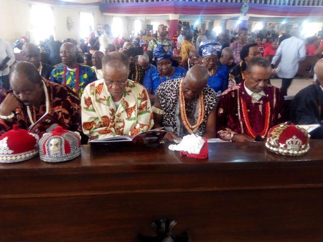 Nnamdi Kanu's parents burial unites old Eastern Region as traditional rulers, youth unite in Umuahia
