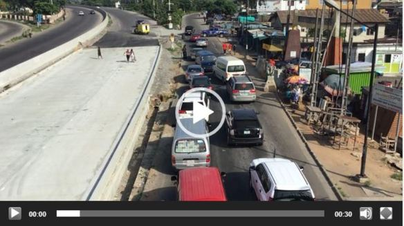 Videos: Lockdown compliance on Gbagada expressway as police mount roadblock