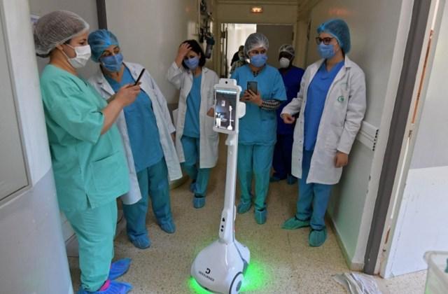 Robot helps Tunisia medics avoid infection from coronavirus patients