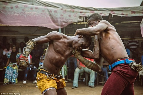 Sympathiser killed while separating fight in Lagos