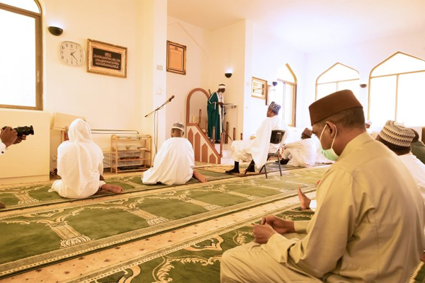 COVID-19: Buhari resumes juma'at prayer at Aso Rock Mosque