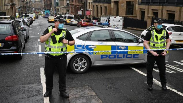 Six wounded in Glasgow hotel stabbing, suspect killed
