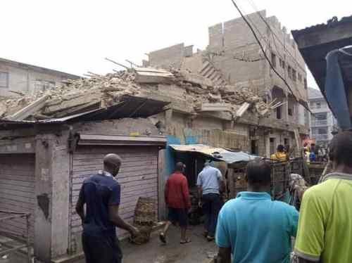 2 dead, 5 trapped as 3 storey building collapses in Abia