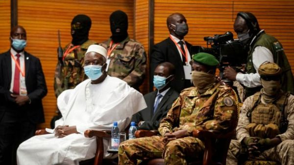 Mali coup: Bah Ndaw sworn in as civilian leader
