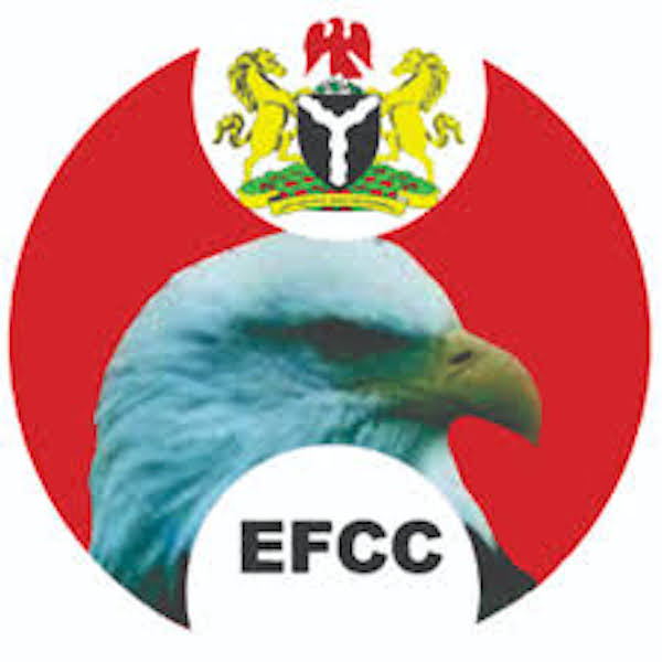 EFCC arrests 13 suspected internet fraudsters in Ibadan